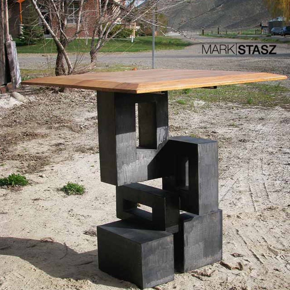 Schwarz Abstract Table